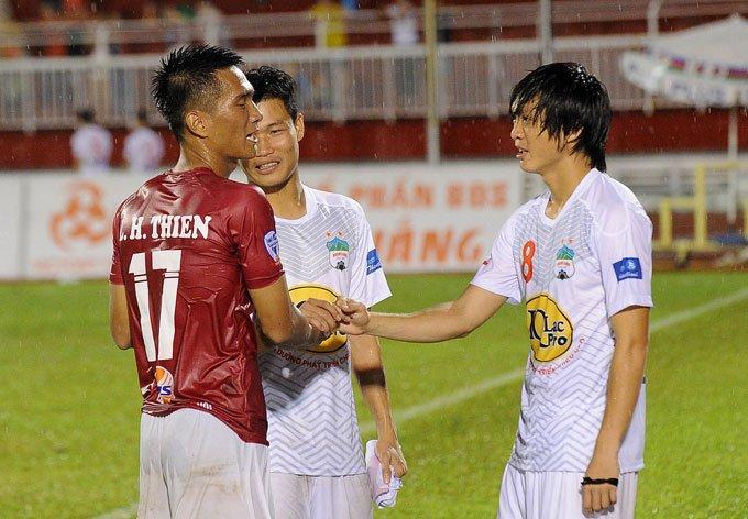 Cong Phuong khoe kieu toc doc la ngay tai xuat o Cup quoc gia hinh anh 11