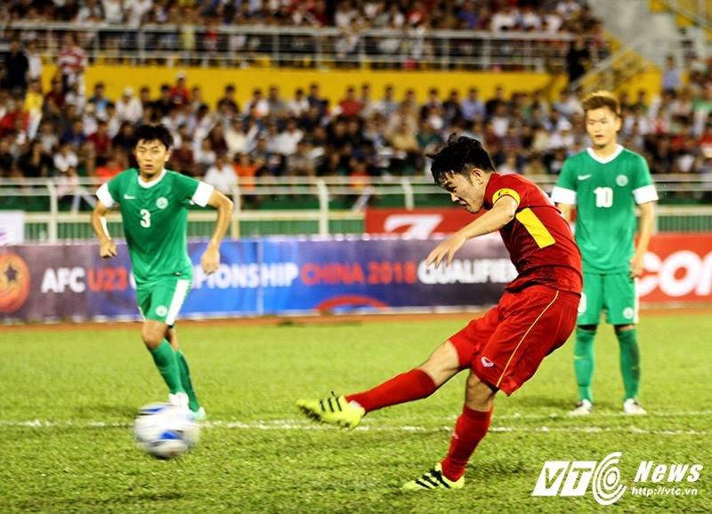 Thang dam U22 Macau, U22 Viet Nam vuot mat U22 Han Quoc hinh anh 2