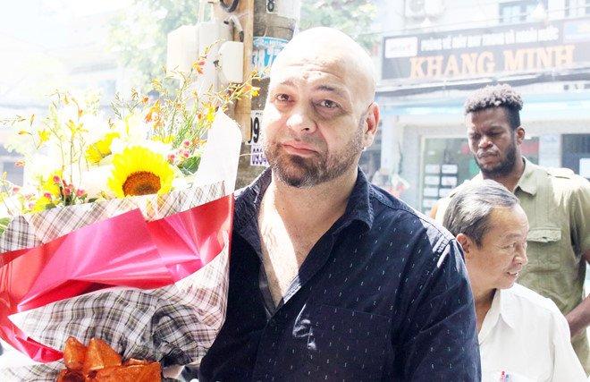 Flores: 'Neu bi phong dien, toi bai vo su Huynh Tuan Kiet lam su phu' hinh anh 1