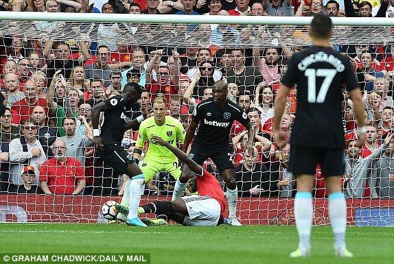 Truc tiep MU vs West Ham vong 1 giai Ngoai hang Anh hinh anh 4
