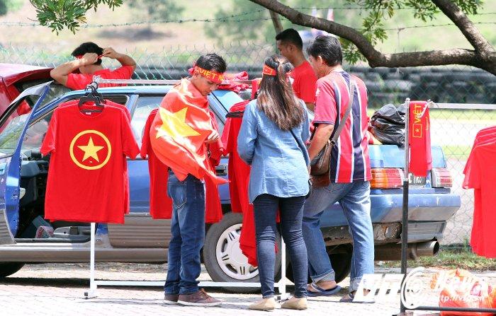 Truc tiep Viet Nam vs Campuchia: Cong Phuong, Tuan Tai lien tiep ghi ban (Hiep 2) hinh anh 6