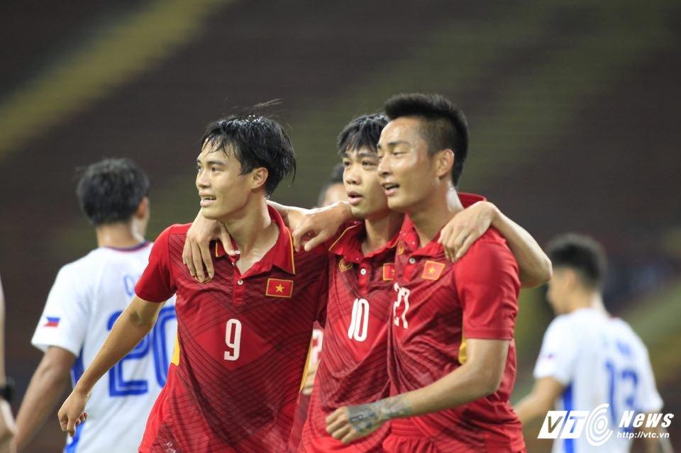 Xem truc tiep Viet Nam vs Indonesia - Bang B bong da SEA Games 29 hinh anh 5