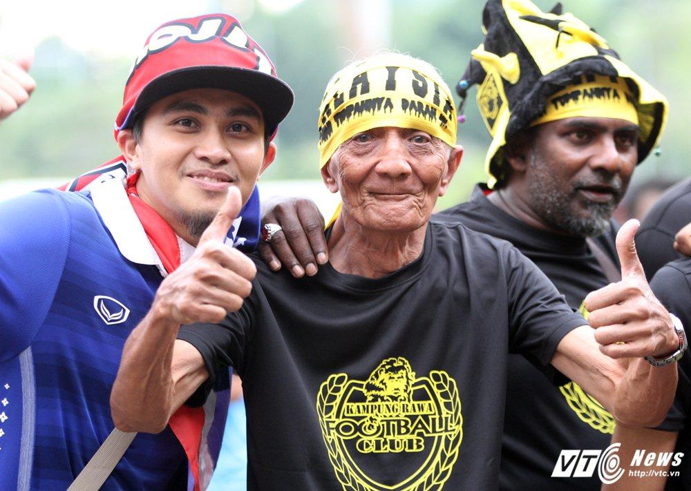 Truc tiep Malaysia vs Thai Lan - Chung ket bong da nam SEA Games 29 hinh anh 8