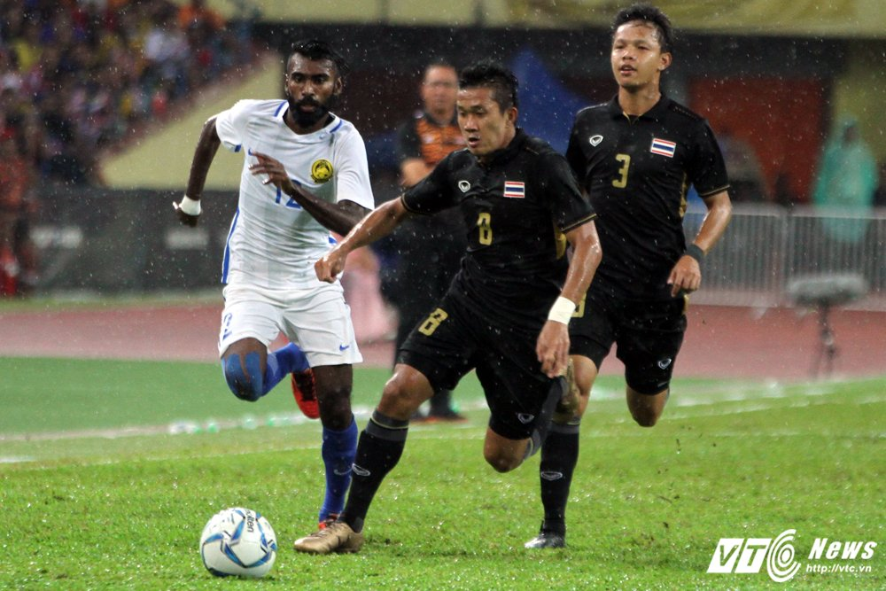 Truc tiep Malaysia vs Thai Lan - Chung ket bong da nam SEA Games 29 hinh anh 5