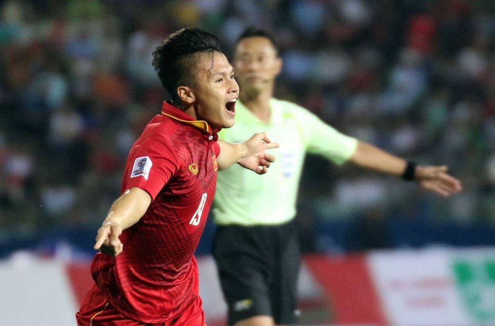 V-League tro lai: Lo Cong Phuong, Quang Hai qua tai hinh anh 2
