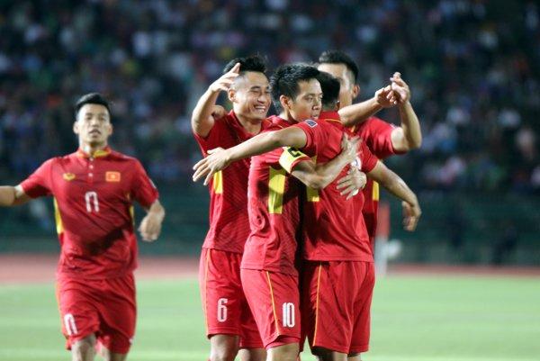 'HLV Mai Duc Chung khong nam ro phong do cau thu vi ban SEA Games' hinh anh 2