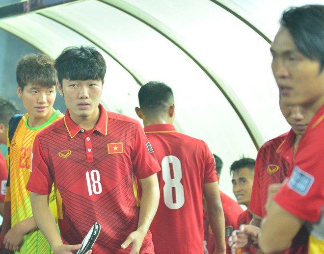 'HLV Mai Duc Chung khong nam ro phong do cau thu vi ban SEA Games' hinh anh 1