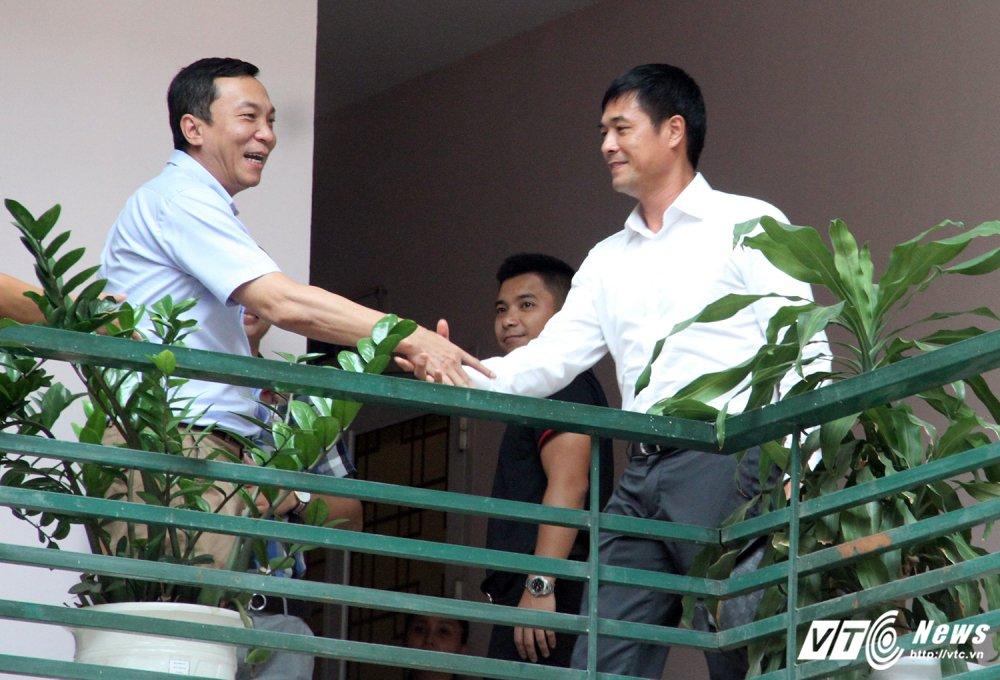 BLV Quang Huy: 'HLV Huu Thang va VFF hay bat tay nhau nhu nhung nguoi dan ong' hinh anh 1