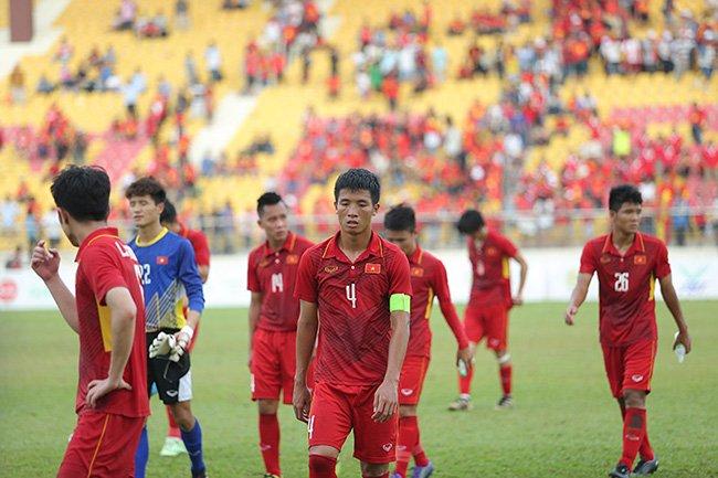 BLV Quang Huy: V-League khien nhieu tai nang 'thui chot', bong da Viet Nam moi o muc ban chuyen hinh anh 2