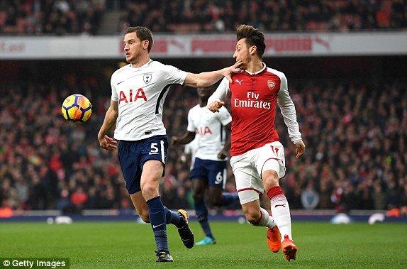 Truc tiep Arsenal vs Tottenham, Link xem Ngoai hang Anh 2017 vong 12 hinh anh 2