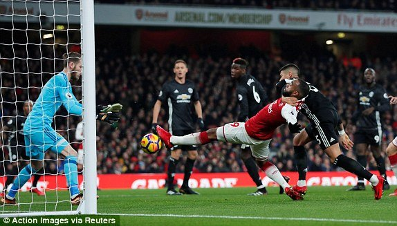 Truc tiep Arsenal vs Manchester United vong 15 Ngoai Hang Anh hinh anh 5