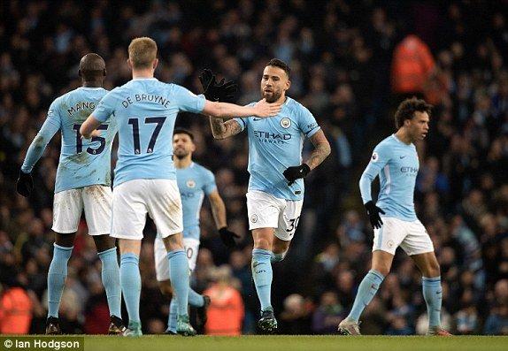 Truc tiep Man City vs West Ham, Link xem Ngoai hang Anh 2017 vong 15 hinh anh 1