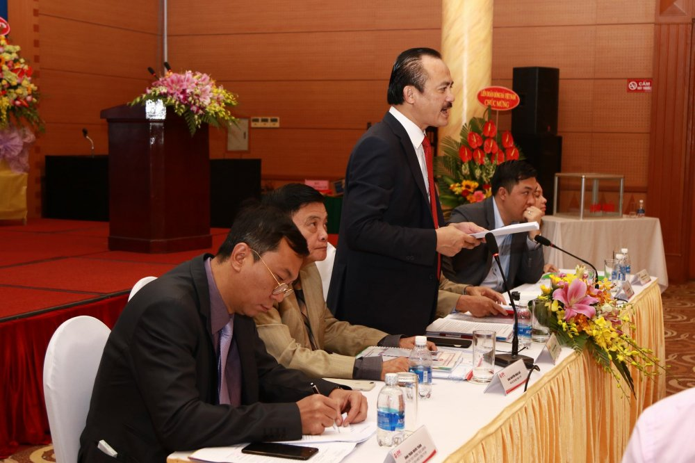 Nguyen chu tich HDQT VPF: Lam 6 nam, chua tieu cua VPF du chi 1 dong hinh anh 2