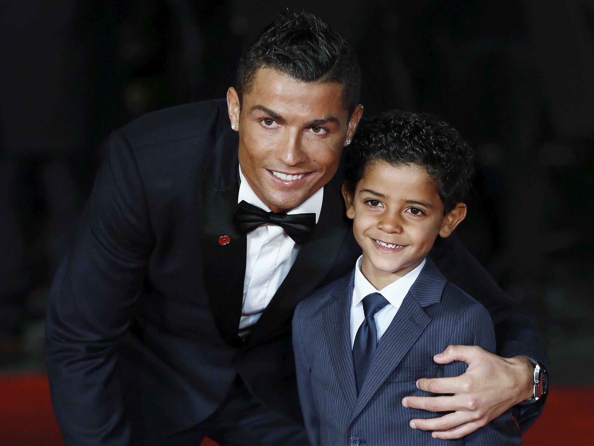 Cristiano Ronaldo, doi anh lieu co noi buon nao khong? hinh anh 6