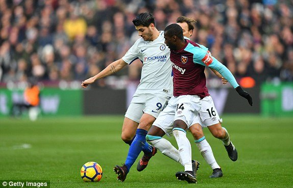 Truc tiep West Ham vs Chelsea, Link xem vong 16 Ngoai hang Anh 2017 hinh anh 1