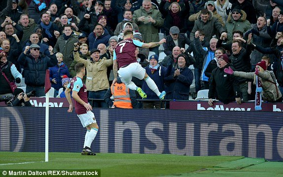 Truc tiep West Ham vs Chelsea, Link xem vong 16 Ngoai hang Anh 2017 hinh anh 2