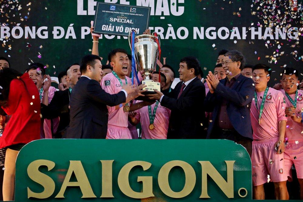 Tin lon & Anh em vo dich nghet tho Saigon Special Premier League mua 5 hinh anh 3