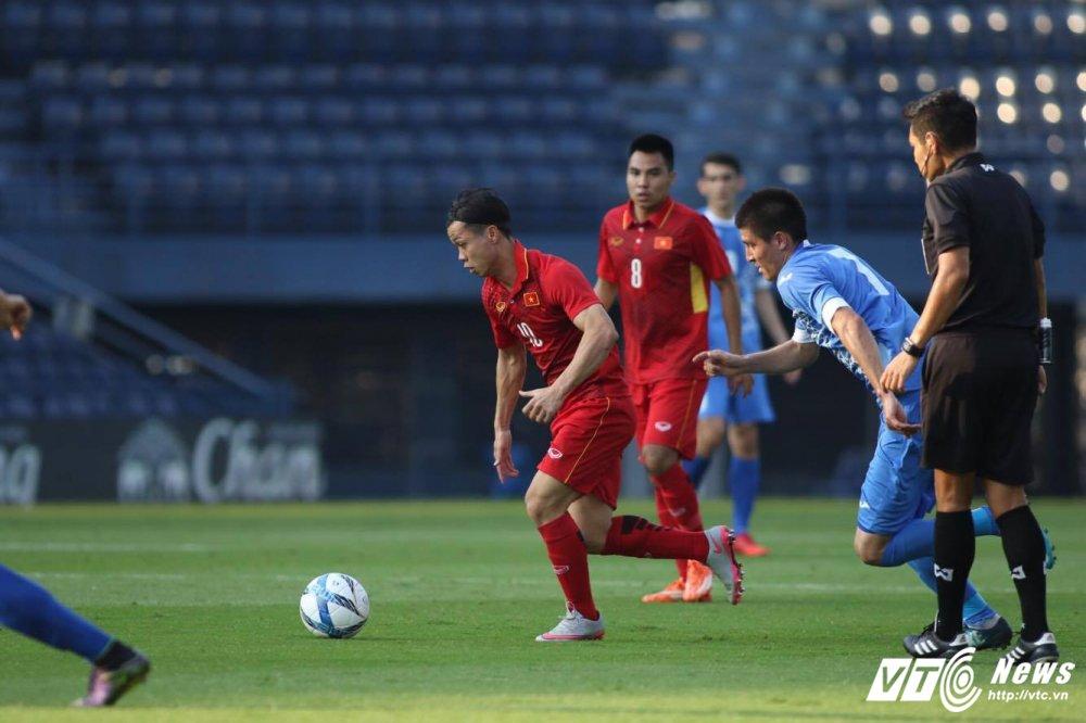 Xem truc tiep U23 Viet Nam vs U23 Uzbekistan giao huu M-150 2017 hinh anh 3