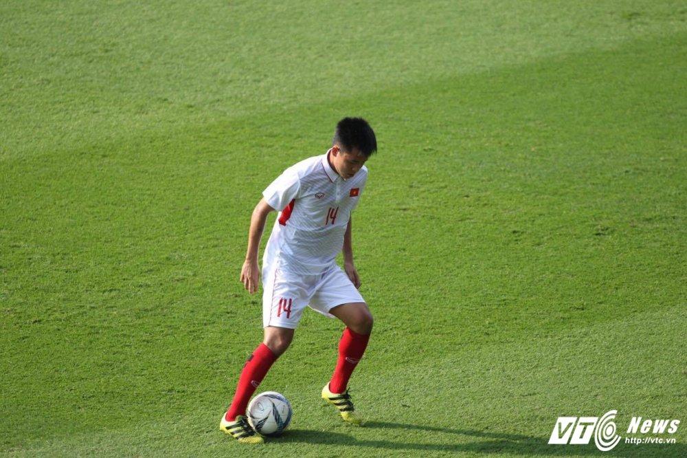 Xem truc tiep U23 Viet Nam vs U23 Uzbekistan giao huu M-150 2017 hinh anh 9