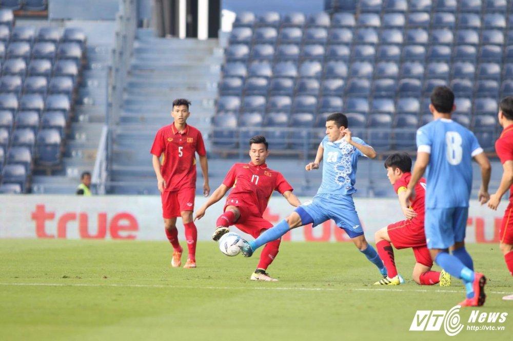 Xem truc tiep U23 Viet Nam vs U23 Uzbekistan giao huu M-150 2017 hinh anh 5