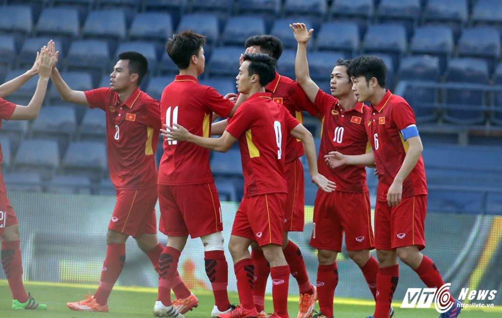 Truc tiep U23 Thai Lan vs U23 Viet Nam tranh hang Ba M-150 Cup 2017 hinh anh 11
