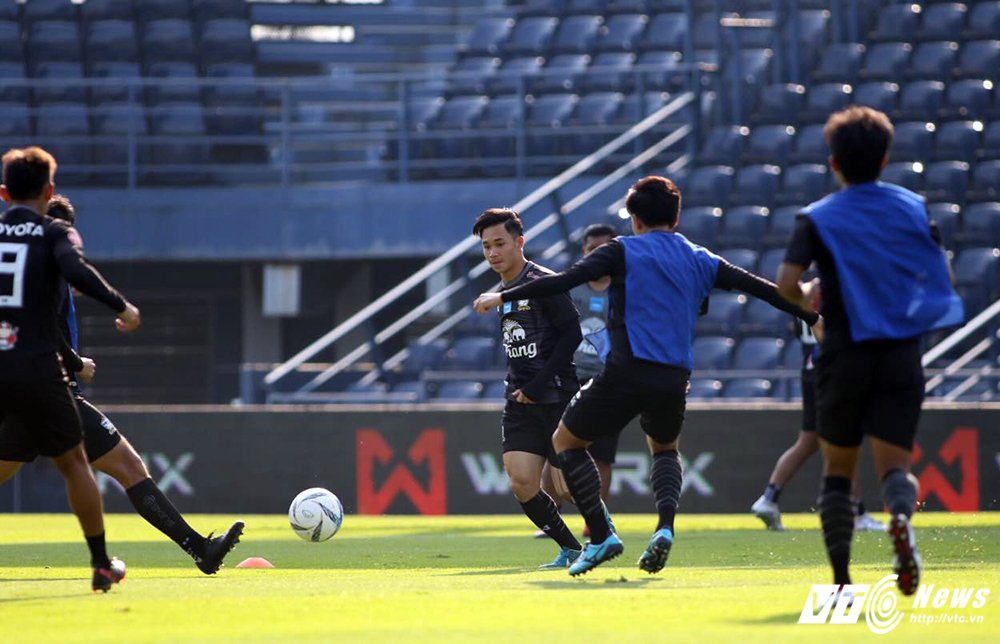Truc tiep U23 Thai Lan vs U23 Viet Nam tranh hang Ba M-150 Cup 2017 hinh anh 13