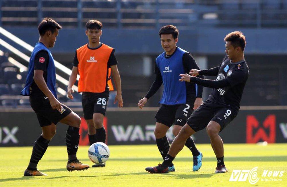 Truc tiep U23 Thai Lan vs U23 Viet Nam tranh hang Ba M-150 Cup 2017 hinh anh 12