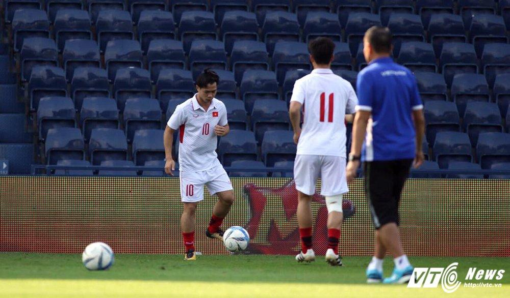 Truc tiep U23 Thai Lan vs U23 Viet Nam tranh hang Ba M-150 Cup 2017 hinh anh 15