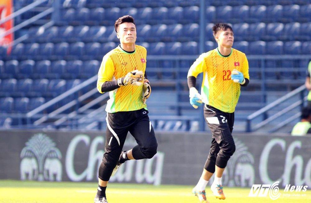 Truc tiep U23 Thai Lan vs U23 Viet Nam tranh hang Ba M-150 Cup 2017 hinh anh 17