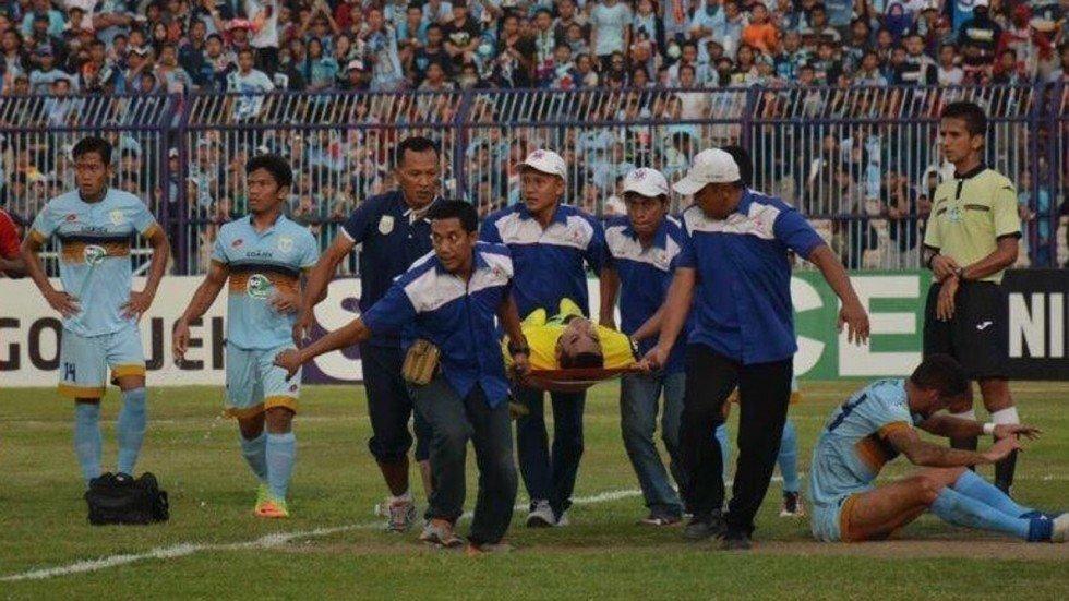9 tran dau gay soc nhat nam 2017: Thu mon Indonesia tu nan, Barca nguoc dong ha PSG hinh anh 2