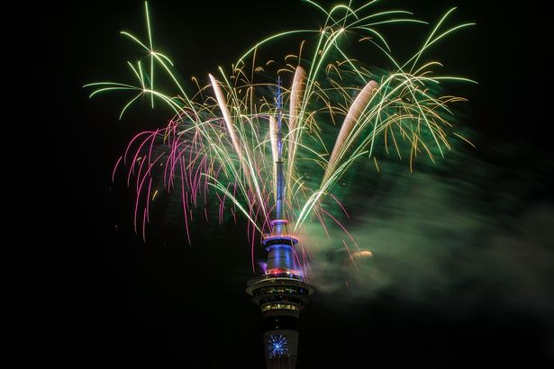 New-Zealanders-Celebrate-New-Years-Eve-2017 (1) 5