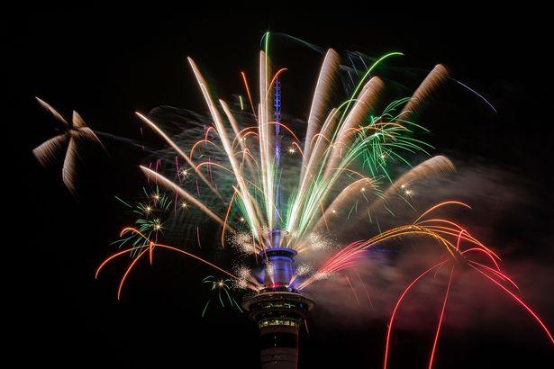 New-Zealanders-Celebrate-New-Years-Eve-2017 (2) 5