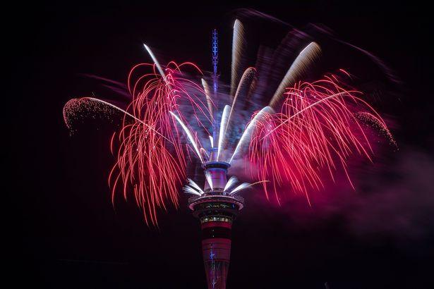 New-Zealanders-Celebrate-New-Years-Eve-2017 7