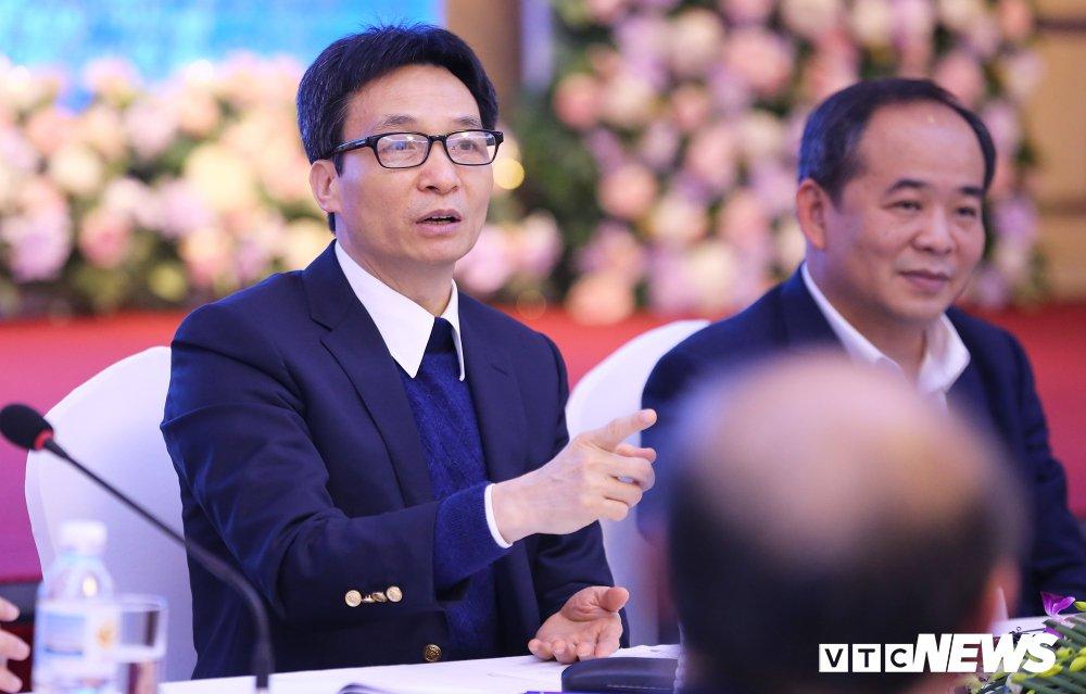 Pho Thu tuong chat van, VFF thua nhan bong da Viet Nam chua sach hinh anh 1