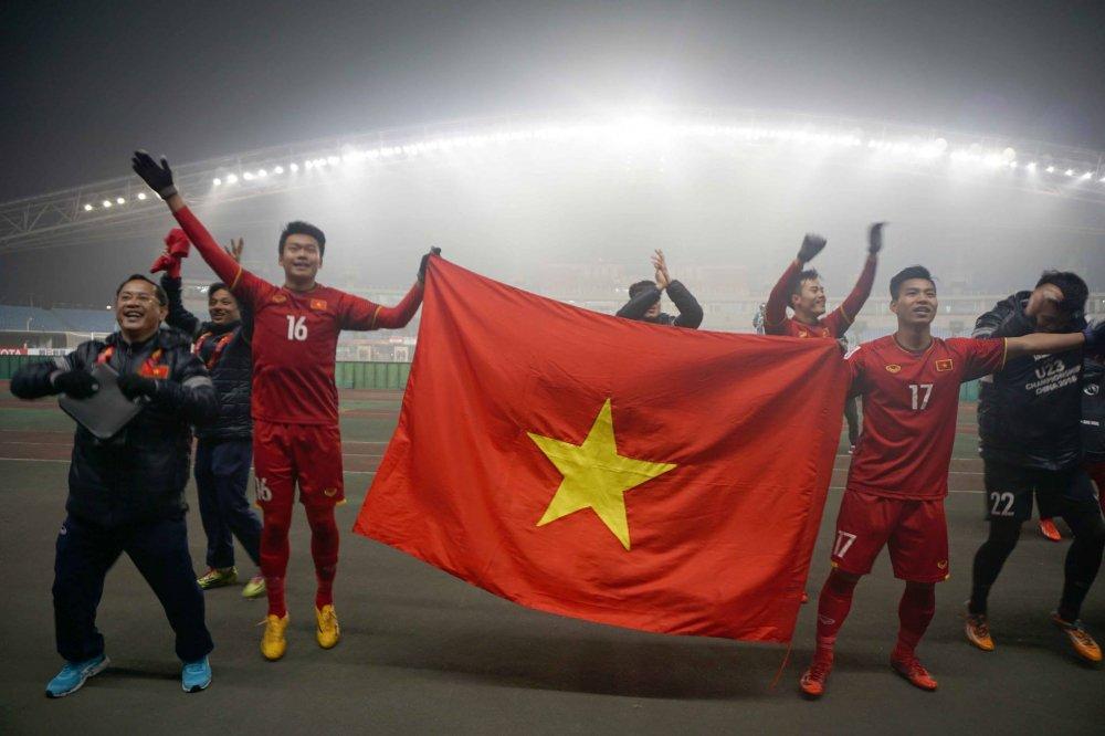 Bao Thai Lan, Han Quoc kinh ngac khi van nguoi do ra duong an mung cung U23 Viet Nam hinh anh 2
