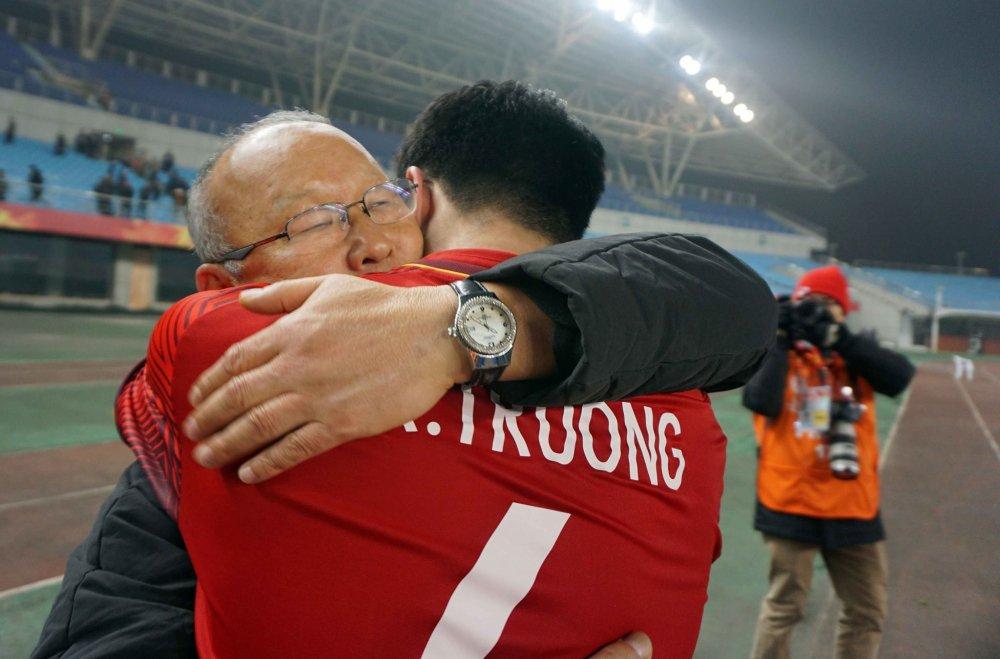 Vi sao HLV Park Hang Seo xung dang la Guus Hiddink cua Viet Nam? hinh anh 4