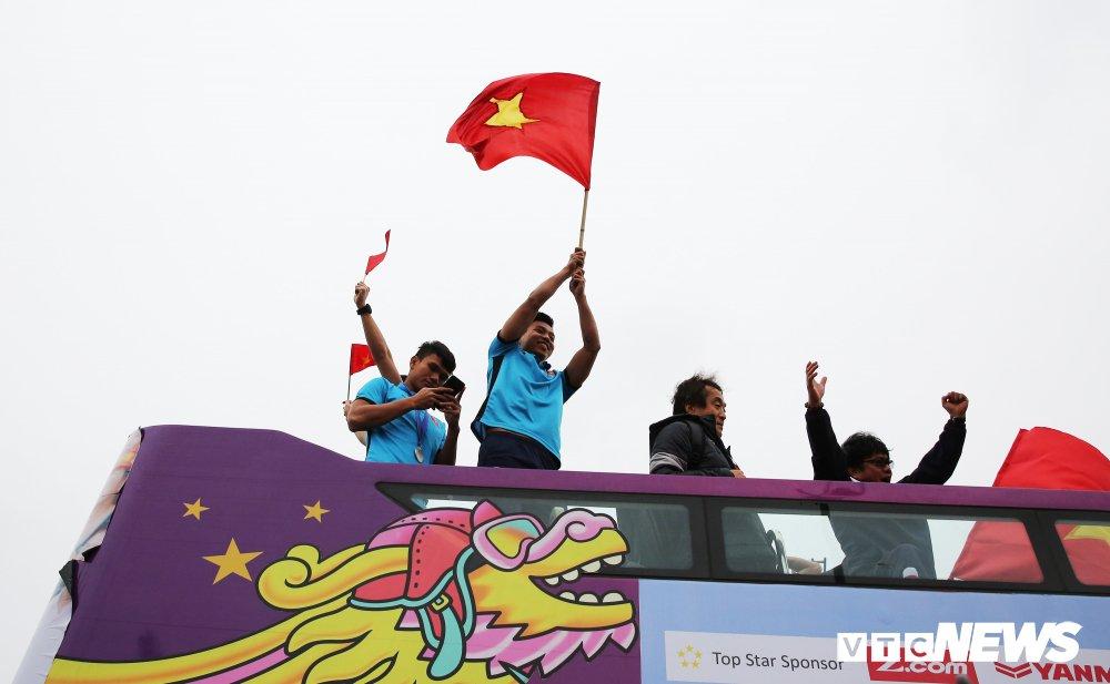 Cau thu U23 Viet Nam Pham Xuan Manh: Mung vi co tien cho me tra no hinh anh 1