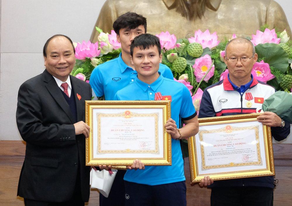 Truc tiep le don U23 Viet Nam ve nuoc: Khong khi soi dong chua tung co hinh anh 3