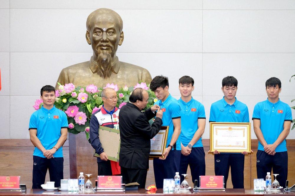 Truc tiep le don U23 Viet Nam ve nuoc: Khong khi soi dong chua tung co hinh anh 4