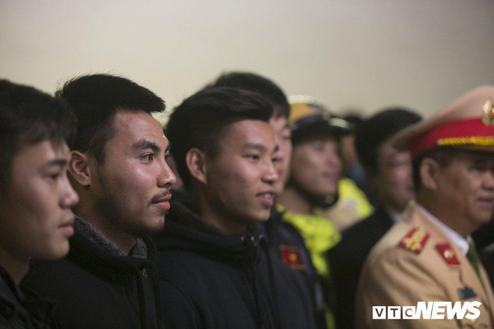 Truc tiep: San My Dinh ruc sang dem Gala mung cong U23 Viet Nam hinh anh 12