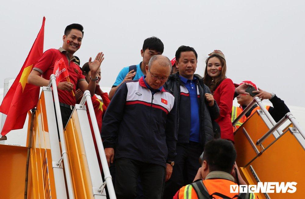 Tro ly Le Huy Khoa: U23 Viet Nam thua phut chot, HLV Park Hang Seo buon rat nhieu hinh anh 1