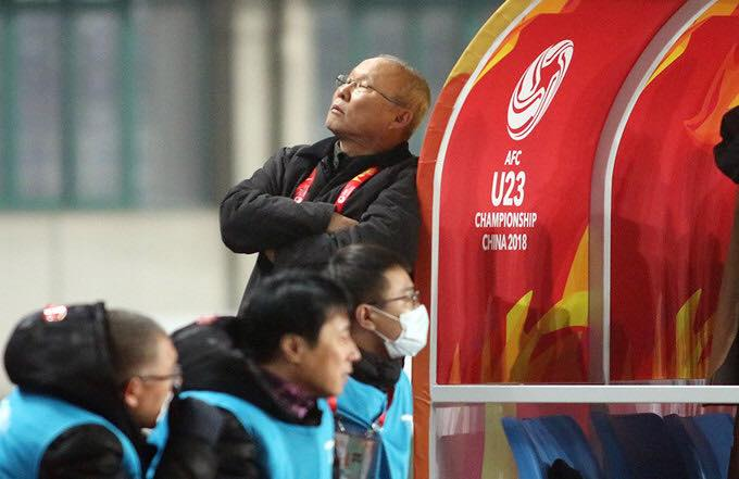 HLV Park Hang Seo tiet lo chuyen tron sau cabin, khong dam xem U23 Viet Nam da 11m hinh anh 1