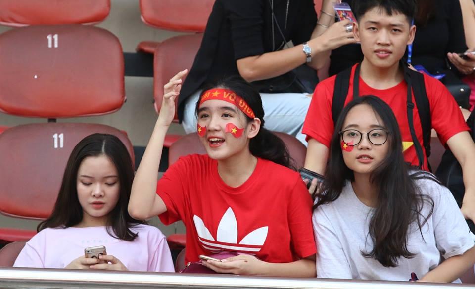 Truc tiep: San Thong Nhat 'vo tung' chao don nguoi hung U23 Viet Nam hinh anh 29