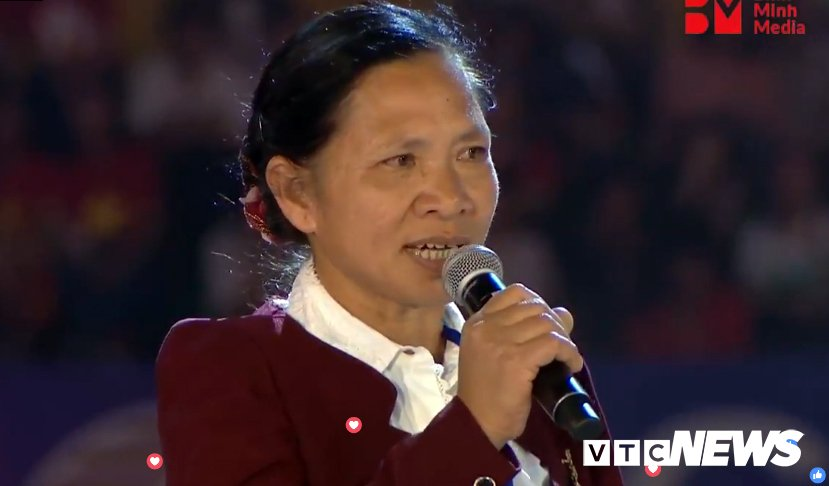 Truc tiep: San Thong Nhat 'vo tung' chao don nguoi hung U23 Viet Nam hinh anh 10
