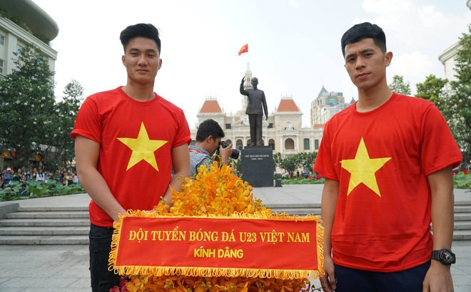 Truc tiep: San Thong Nhat 'vo tung' chao don nguoi hung U23 Viet Nam hinh anh 32