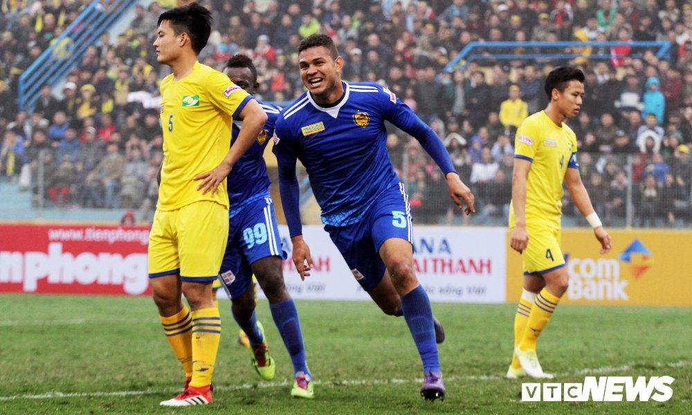 Hau ve U23 Viet Nam mac sai lam, SLNA mat Sieu Cup Quoc gia hinh anh 1