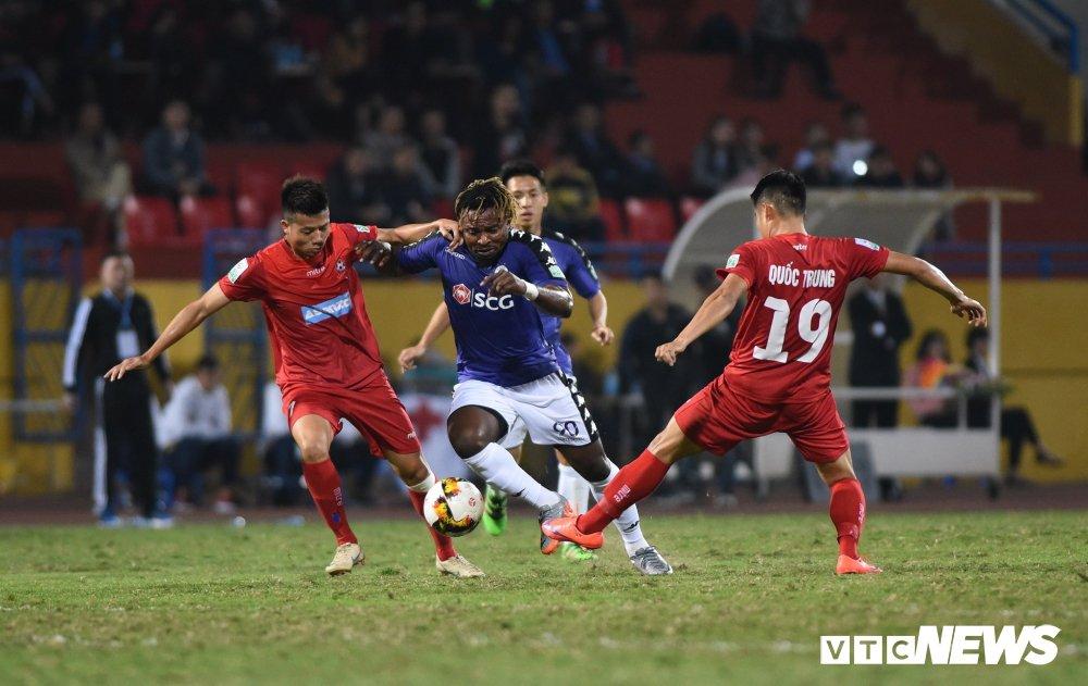 Sau hieu ung U23 Viet Nam, V-League lam gi de niu chan khan gia? hinh anh 2