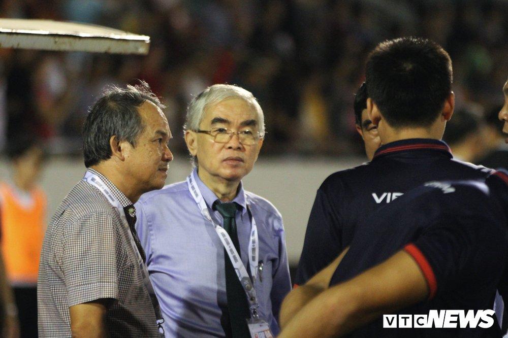 Chu tich VFF: 'Tu duy khong logic moi co y tuong gat bo bau Duc khoi VFF' hinh anh 1