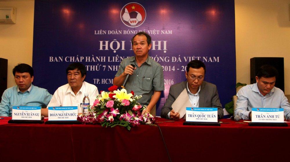 Ong Nguyen Cong Khe: Bong da Viet Nam muon thanh cong phai tap hop duoc nguon luc hinh anh 2