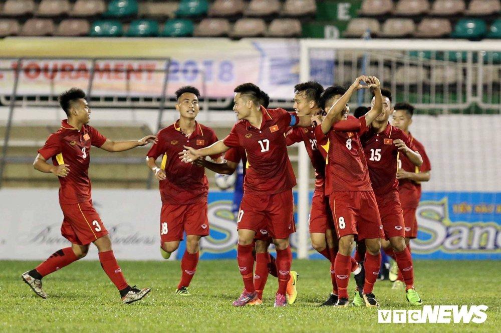 Dung toan hao thu,U19 Viet Nam vui dap U19 Chonburi hinh anh 2